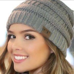 ❄️Soft Knit Winter Snow Athletic Ponytail Beanie